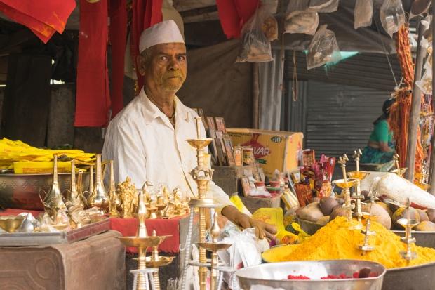 shopkeeper02_jejuri.jpg